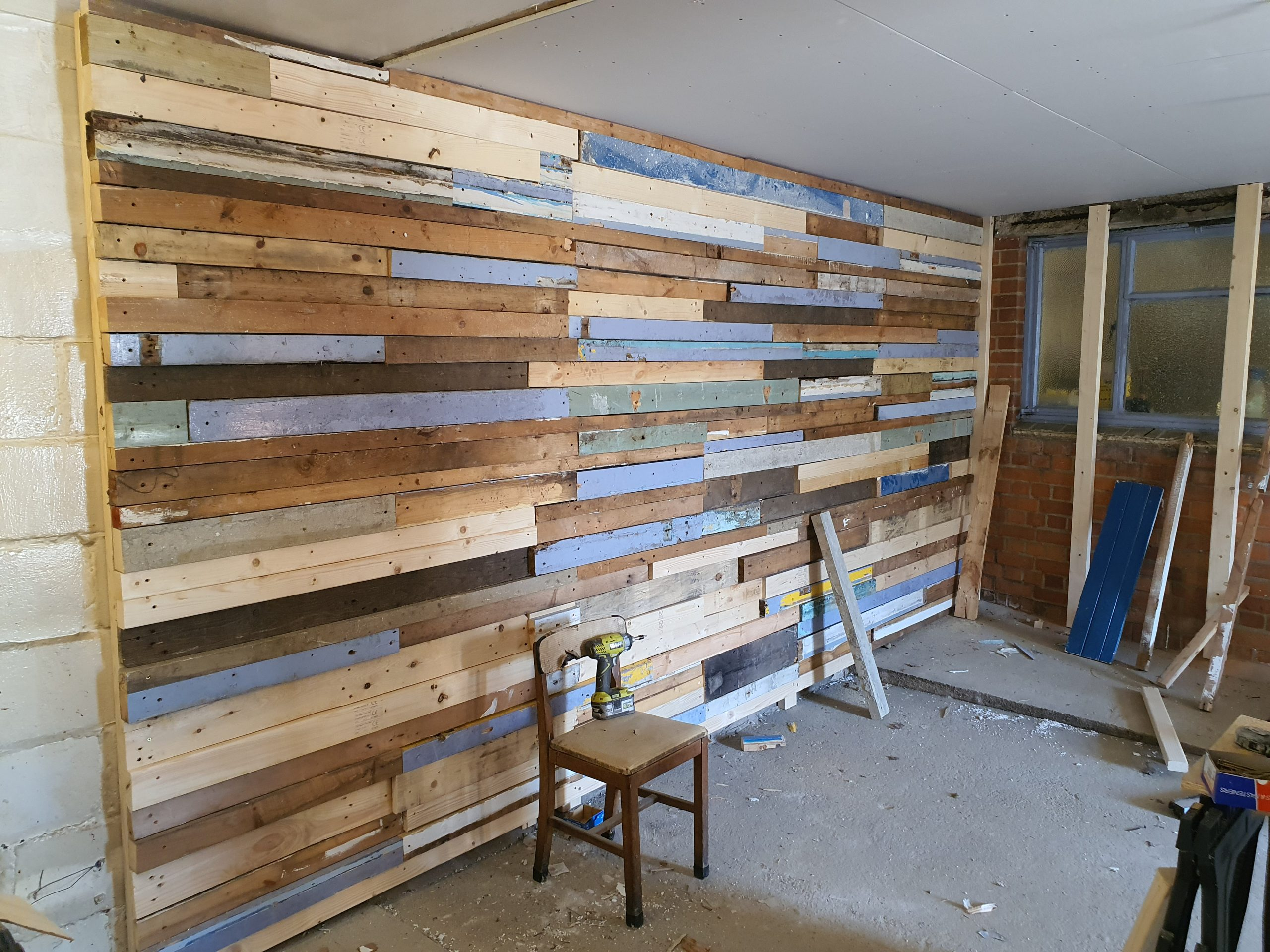 How to make a reclaimed wood feature wall